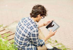 Comment faire disparaître les douleurs et les tensions musculaires causées par la technologie ?